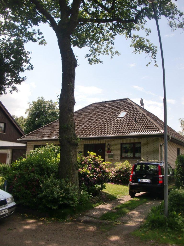 VERKAUFT – Großzügiges 1-2 Familienhaus in Groß Nordende